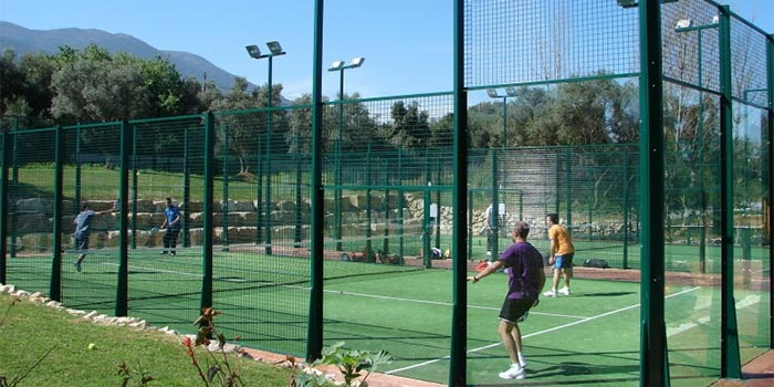 Game of padel in Lauro Golf